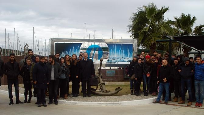 Yaşar Üniversitesi öğrencileri Teos Marina'da