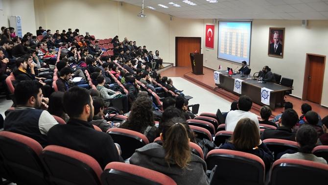 """İstanbul Üniversitesi'nde """"Sektör Günleri"""" başladı"""