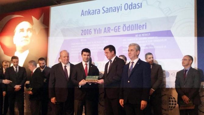 """""""En Başarılı Ar-Ge Merkezi"""" ödülü BİTES'in oldu"""