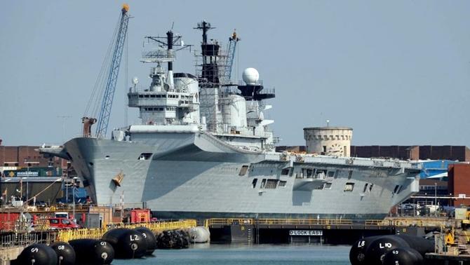 HMS Illustrious uçak gemisi Aliağa'da hurdaya dönüşecek