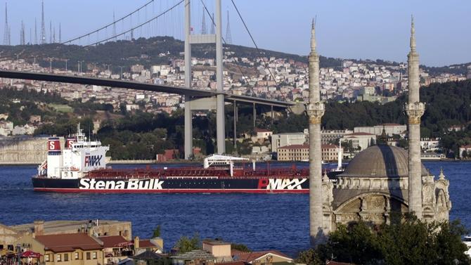İstanbul Boğazı'ndan 42 bin 553 gemi geçti