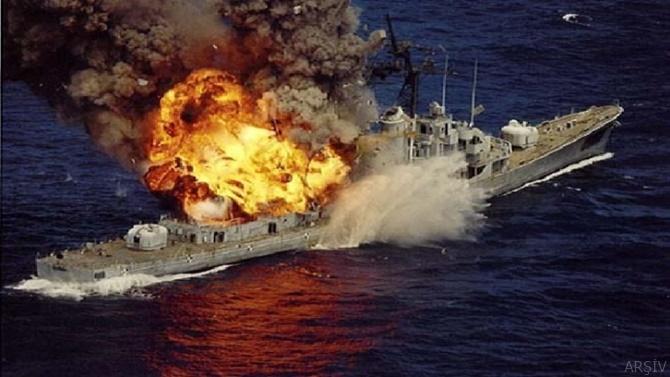 Suudi Arabistan'ın savaş gemisine intihar saldırısı düzenledi