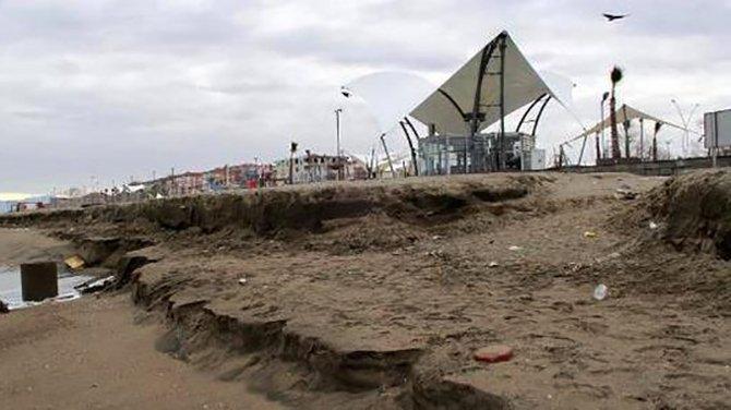 Mavi bayraklı plajda kıyı erezyonu