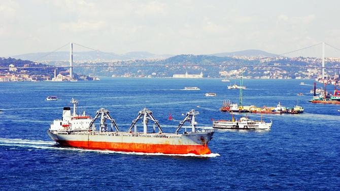 İstanbul Boğazı trafiğe kapatıldı!