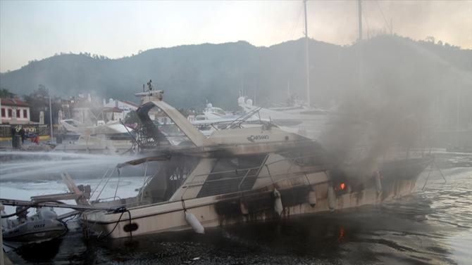 Marmaris'teki marinada 3 yat yandı, bir kişi öldü!