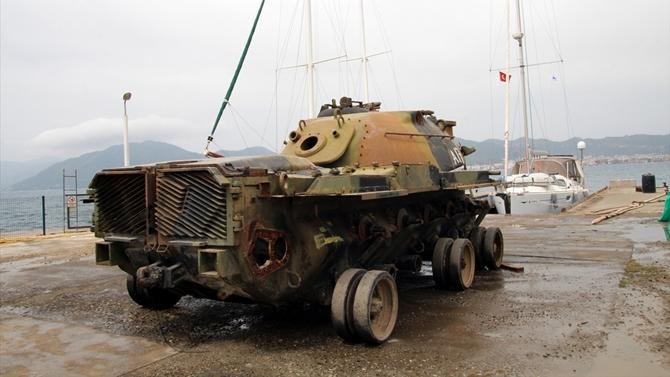 """Eski savaş tankı turizm için """"batırılacak"""""""