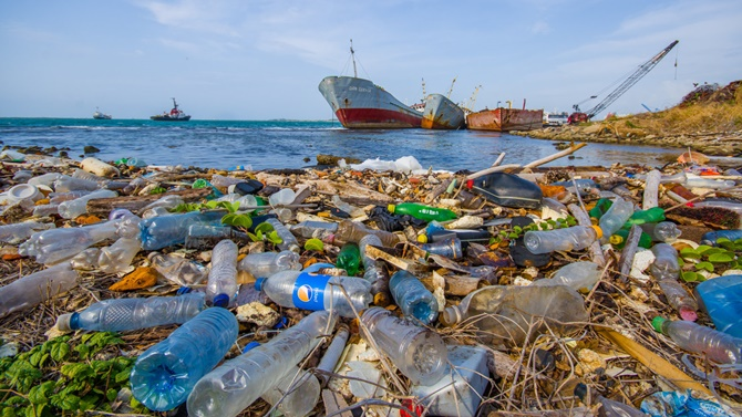 Plastik atıklar okyanusları tehdit ediyor!