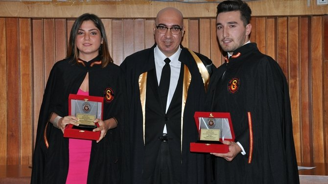 Galatasaray Üniversitesi MYO 2016-17 Mezuniyet Töreni yapıldı