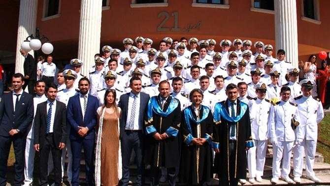 KTÜ'lü denizciler mezun oldular