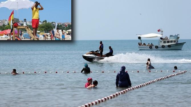 İstanbul plajlarında zorlu mesai başladı!