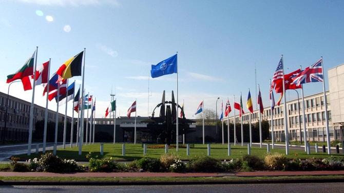 NATO toplantısında iki önemli mektup imzalandı