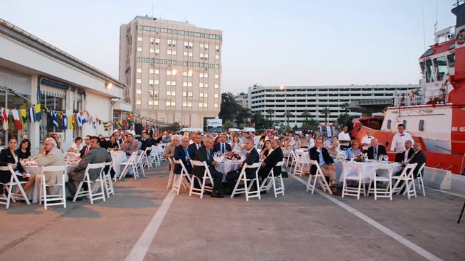 Denizcilik Bayramı resepsiyonu İzmir Limanı'nda gerçekleşti