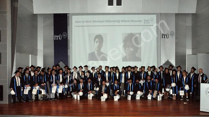 İTÜ Gemi İnşaatı ve Deniz Bilimleri Fakültesi'nde mezuniyet heyecanı