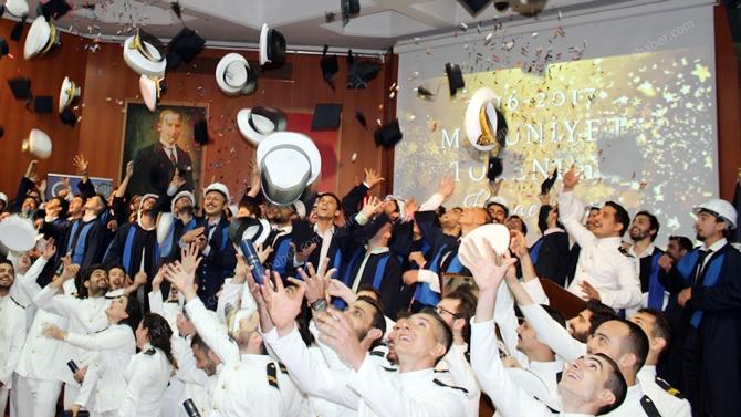 YTÜ Gemi İnşaatı ve Denizcilik Fakültesi 2016-17 Mezuniyet Töreni gerçekleşti