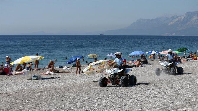Antalya'nın ünlü sahilleri ATV motorlu polislere emanet edildi