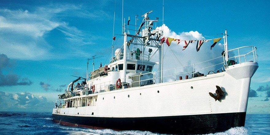 Kaptan Cousteau'nun gemisi Calypso Yalova'da yandı