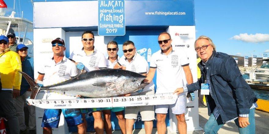 Büyük balığı Mahmut Özgener tuttu