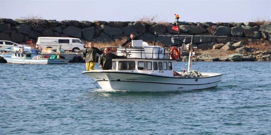 Rize'li kadınlar balıkçılığa başladı
