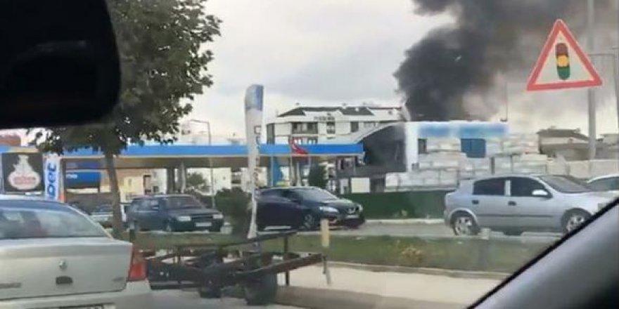 Tuzla'da yakıt dolu tanker patladı: 3 yaralı