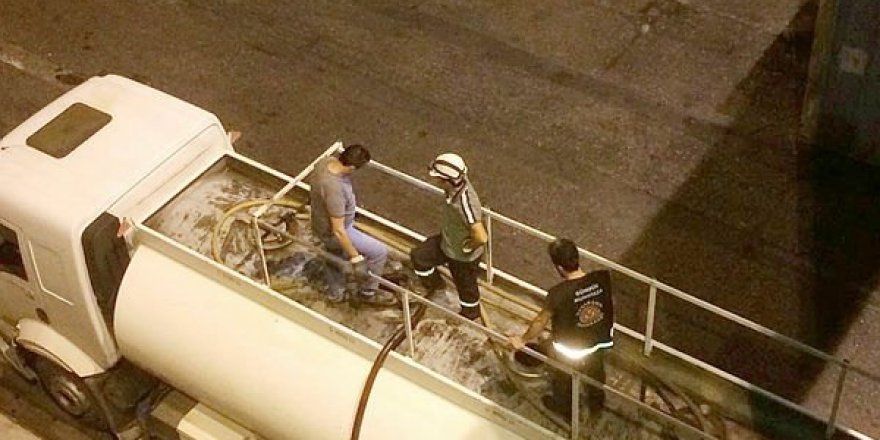 Alsancak Limanı'nda 128 ton kaçak akaryakıt yakalandı