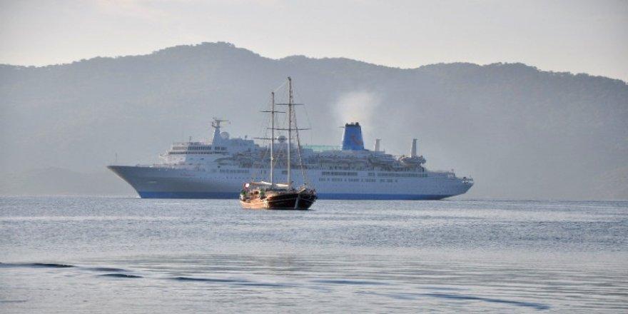Marmaris'e bin 500 turist getirdi