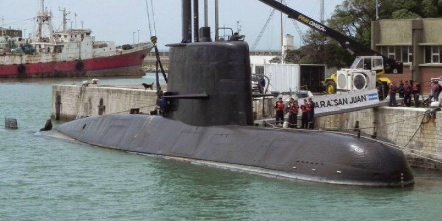 """Arjantin'e ait ''Ara San Juan"""" adlı denizaltı kayıp"""