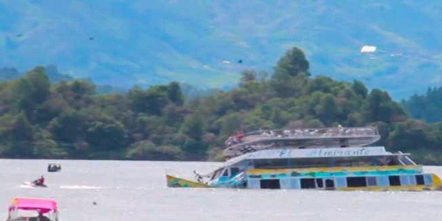 İki tekne birden battı: 10 kişi kayıp