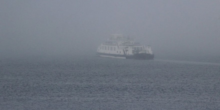 Çanakkale Boğazı'nda sis gemilere geçit vermiyor