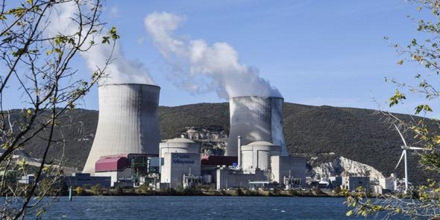 Greenpeace üyeleri nükleer santrale girdi