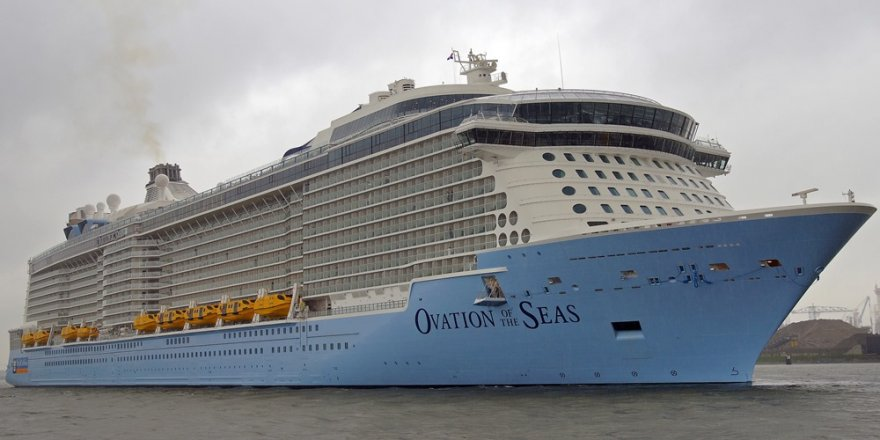 Kruvaziyer gemisindeki  200 yolcu zehirlendi