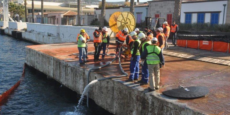 Kuşadası'nda deniz kirliliğine müdahale tatbikatı