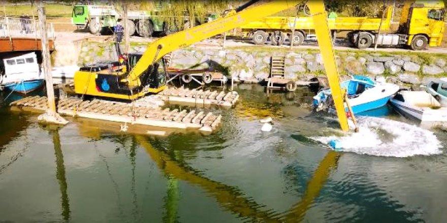 İBB'den sahipsiz tekne operasyonu
