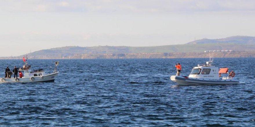 Gelibolu'da feribot, balıkçı teknesine çarptı: 1 kayıp