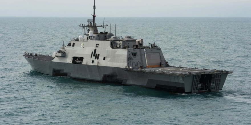ABD,  USS Michael Monsoor'i denize indirdi