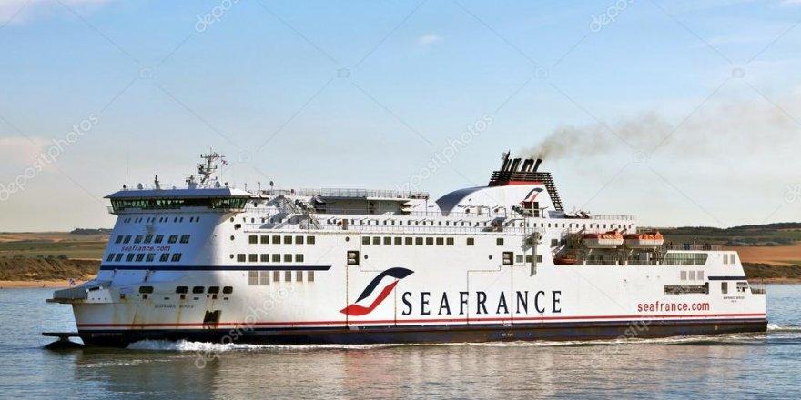 300 yolcu taşıyan feribot karaya oturdu