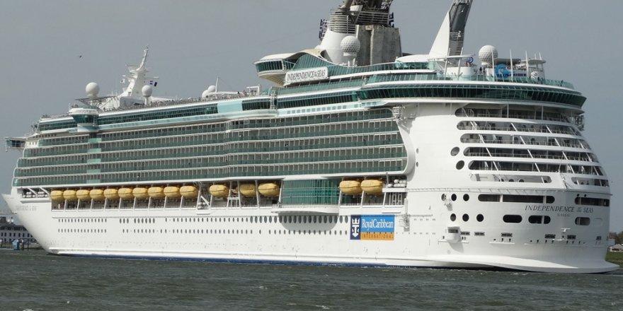 Royal Caribbean gemisinde 300 kişi daha zehirlendi