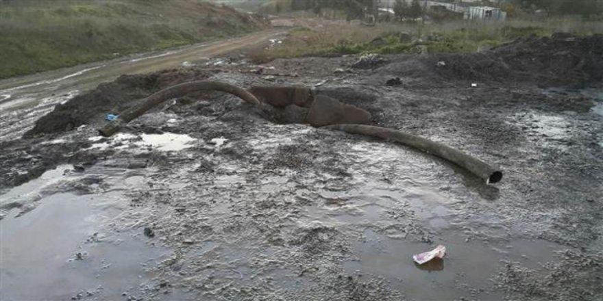 Tuzla'daki koku kimyasal atık çıktı