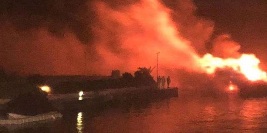 Alaçatı Marina'daki yatlar cayır cayır yandı