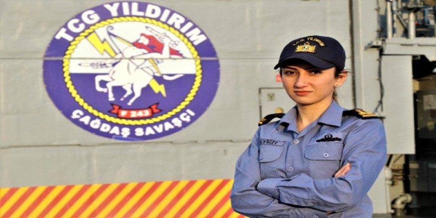 TCG Yıldırım savaş gemisinin tek kadın subayı