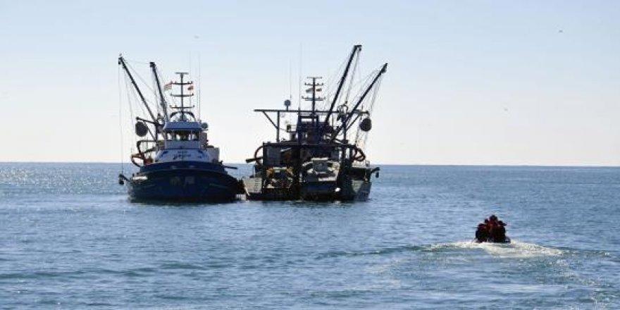 Abhazya'da 2 Türk balıkçı teknesi bağlandı