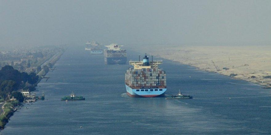Süveyş Kanalı'nda tankerler 'İndirimli' geçecek