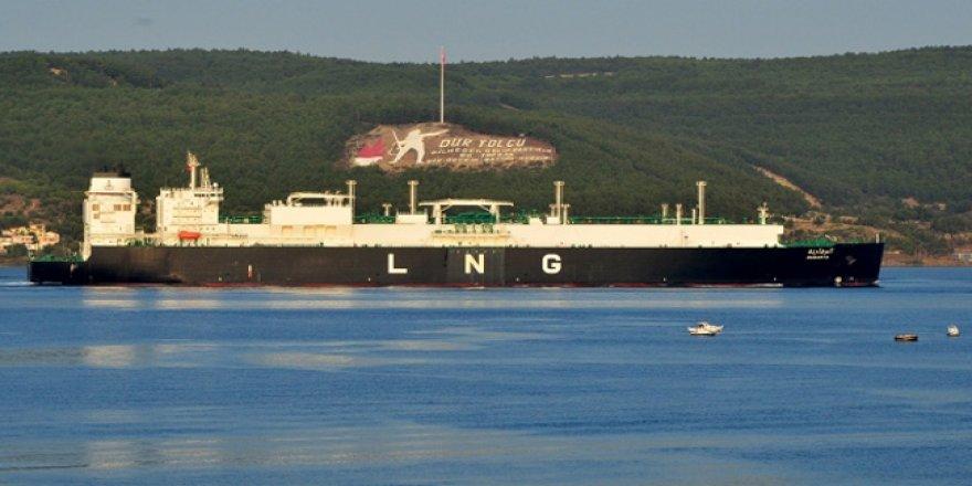 LNG tankeri, Çanakkale Boğazı'ndan geçti
