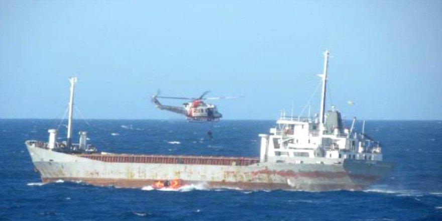 Pasifik'te 21 tondan fazla kokain yakalandı