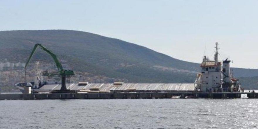 Türk gemisi Karadeniz'de yan yattı!