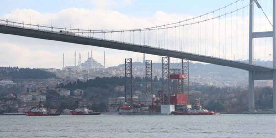 15 Temmuz Şehitler Köprüsü'nün altından geçti