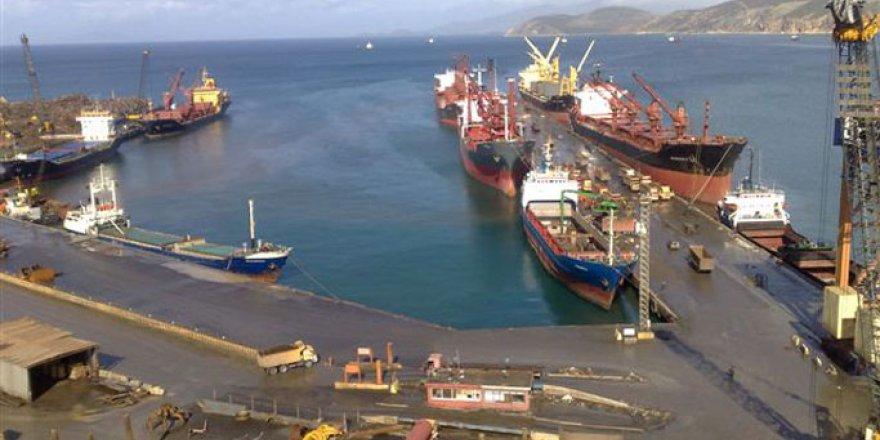 İzmir limanlarında 1 milyon 440 bin TEU yük elleçlendi