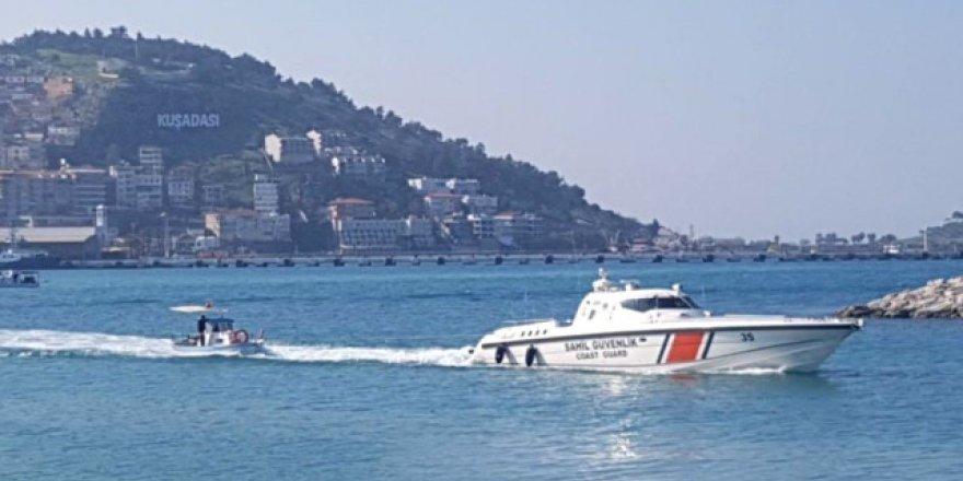 Arızalanan teknedeki 3 kişiyi SGK kurtardı