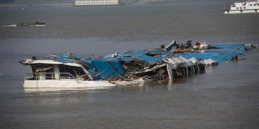 Çin'de alabora olan gemide 5 kişi öldü