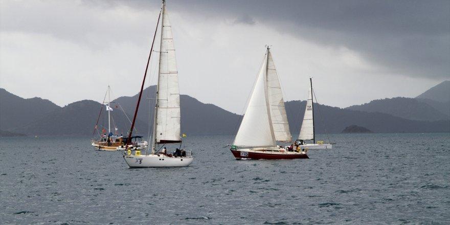 Kadınlar şiddete karşı yelken açtılar