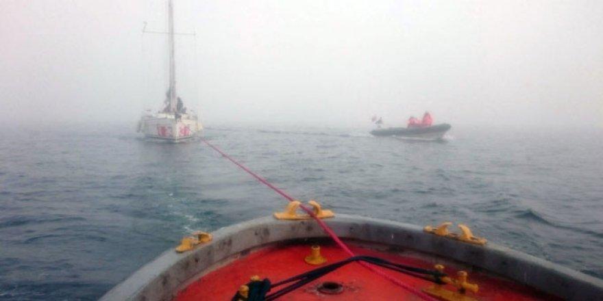 Heybeliada açıklarında 6 kişi teknede mahsur kaldı